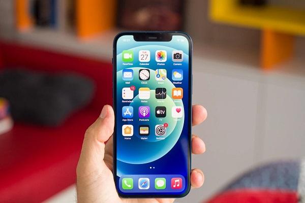 Dòng iPhone 12 thống trị doanh số bán smartphone toàn cầu