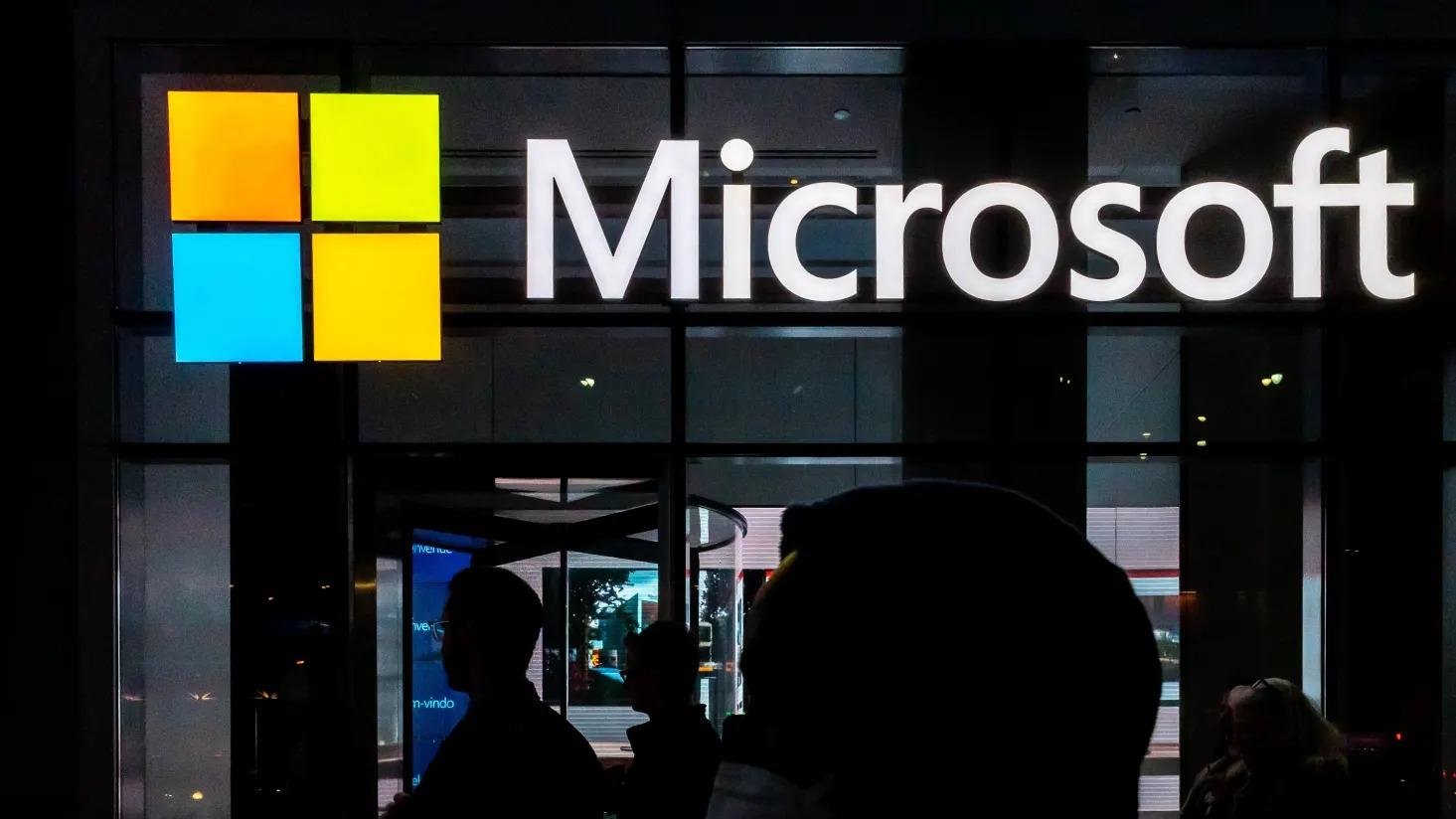 Microsoft sắp mua lại Nuance, công ty AI đứng sau trợ lí ảo Siri của Apple, ngã giá 16 tỷ USD