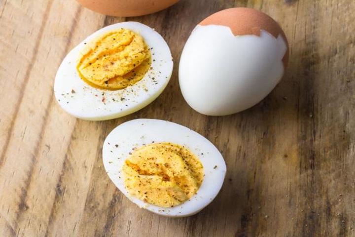 Ăn bao nhiêu quả trứng trong ngày là vừa?