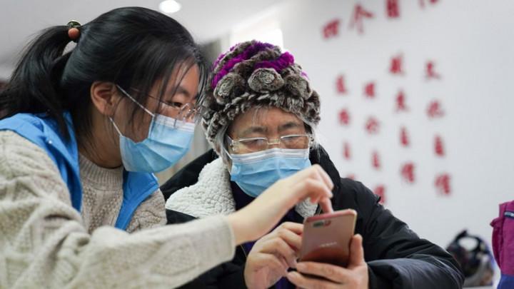 """Chính phủ Trung Quốc yêu cầu các trang web, ứng dụng phải """"thân hiện"""" hơn với người cao tuổi"""