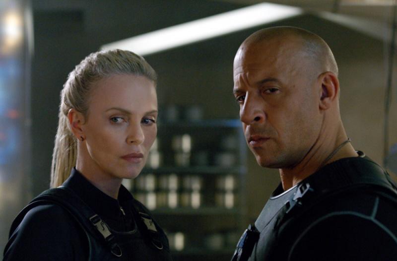 """""""Fast 9"""" tung trailer mới: tiếp tục thách thức khoa học vật lí"""