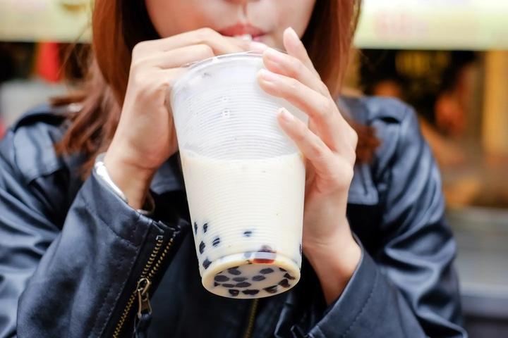 Trà sữa trân châu rơi vào tình trạng khan hàng tại Mỹ