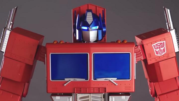 Tưởng chỉ có trên phim, robot biến hình Optimus Prime đã xuất hiện ngoài đời thực