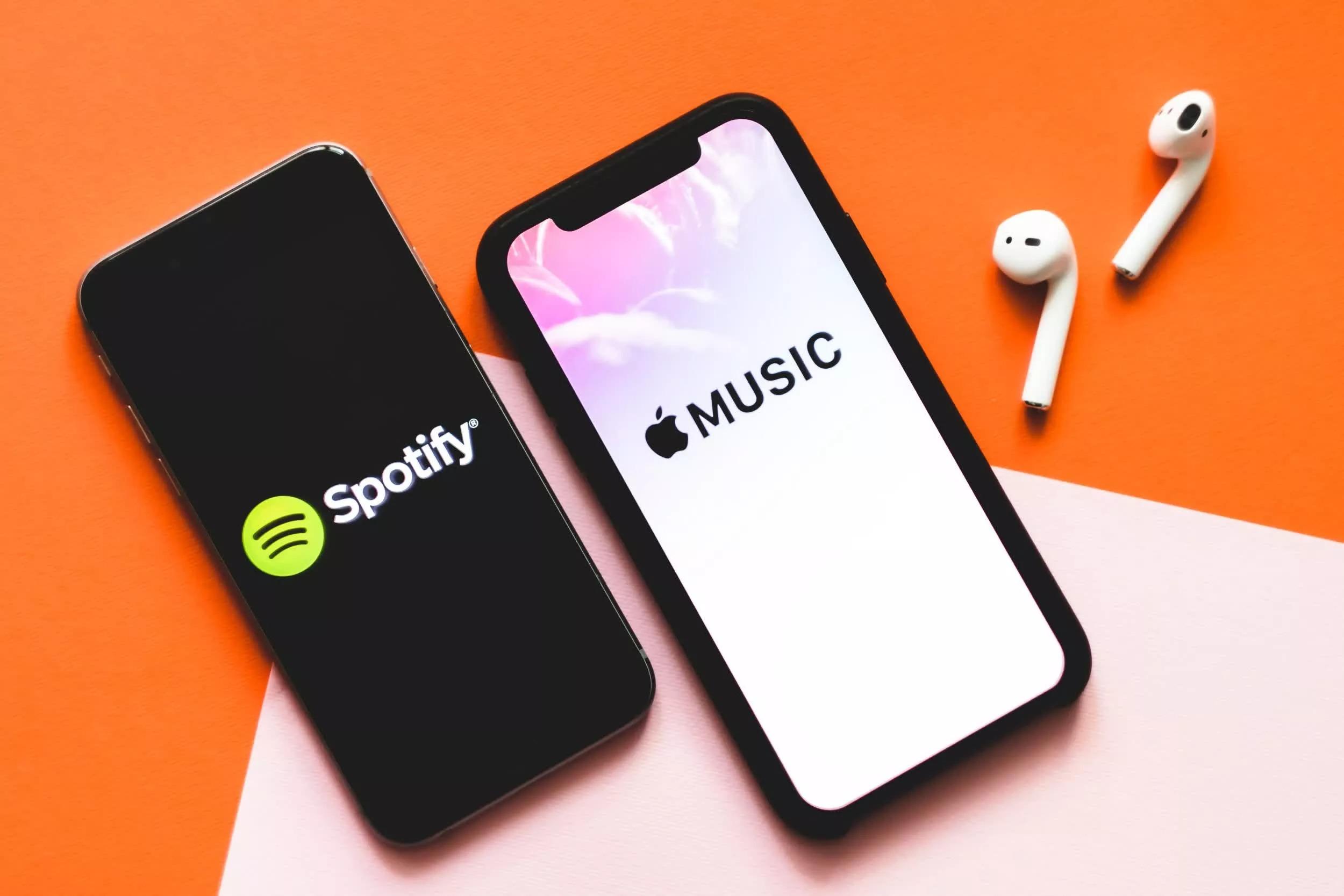 Apple trả tiền cho nghệ sĩ trên mỗi lượt streaming nhiều gấp đôi Spotify