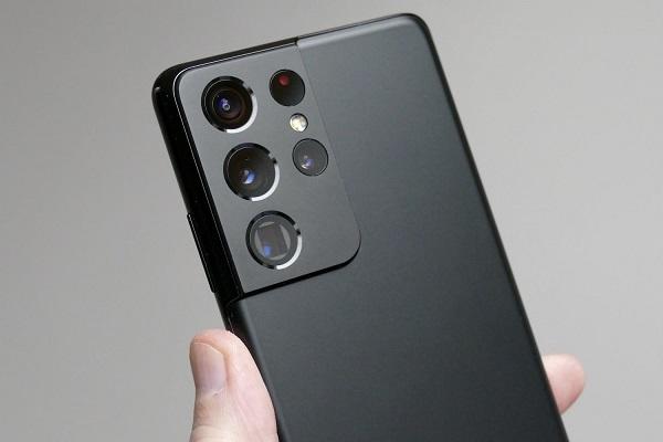 """Samsung có thể từ bỏ cuộc đua camera độ phân giải """"khủng"""" trên điện thoại"""