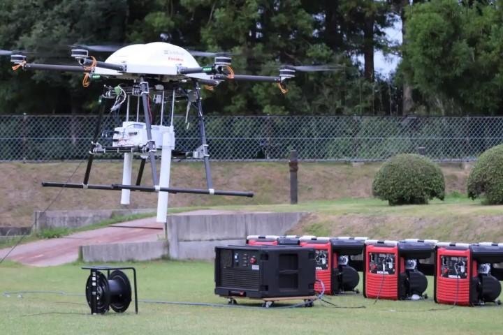SoftBank dự định dùng drone để duy trì vùng phủ sóng di động khi xảy ra thiên tai