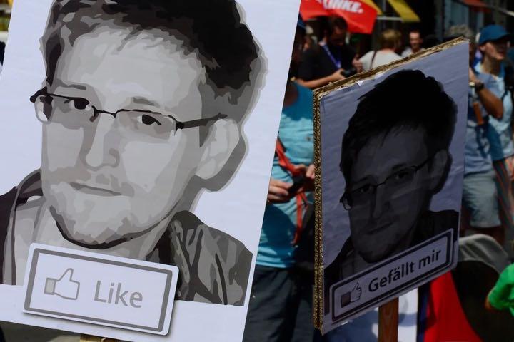 Ảnh chân dung NFT của Edward Snowden được bán với giá 5,4 triệu USD trong một cuộc đấu giá từ thiện