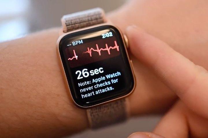 Apple Watch tại Việt Nam sẽ đo được điện tâm đồ với bản cập nhật watchOS 7.4