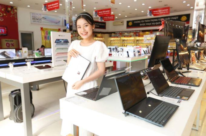 FPT Shop giảm giá 10% laptop nhân dịp cán mốc 70 Trung tâm laptop