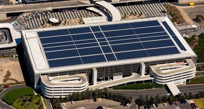 Năng lượng mặt trời từ các sân bay có thể cung cấp đủ điện năng cho một thành phố
