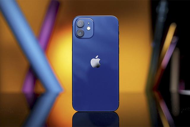 FPT Shop tặng 100.000 đồng để khách hàng trải nghiệm 5G trên iPhone 12 Series