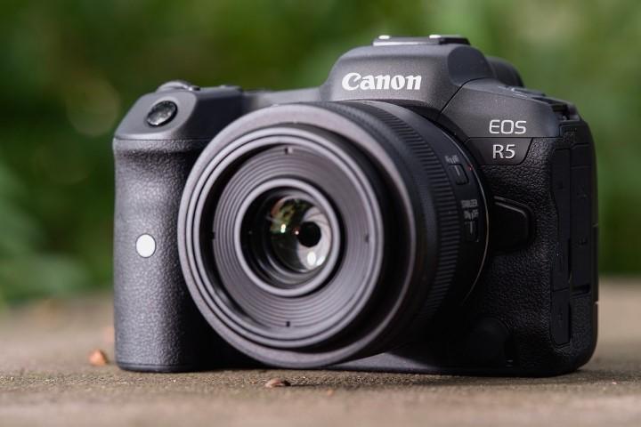 Người dùng Canon EOS R5 gặp lỗi chống rung IBIS, ảnh chụp bị mờ