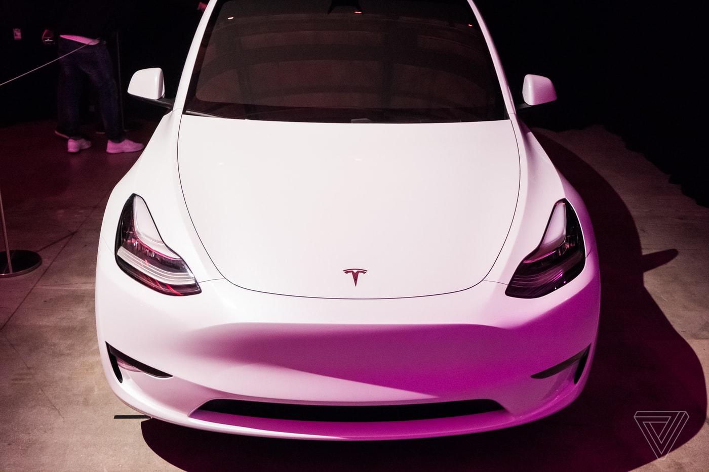 """Tính năng Autopilot của xe Tesla dễ dàng bị """"đánh lừa"""" khi không có ai ngồi trên ghế lái"""