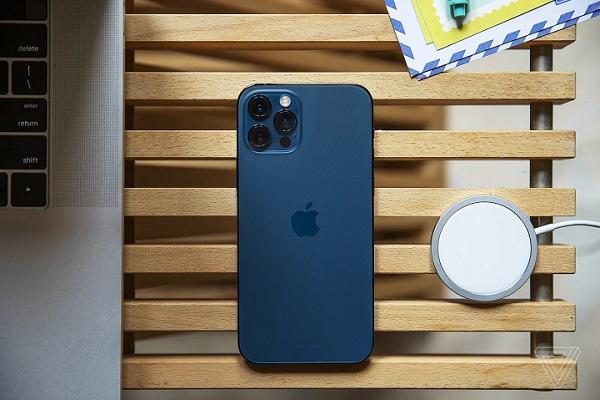 Bất chấp dịch bệnh, doanh số iPhone, iPad và máy Mac của Apple tăng mạnh