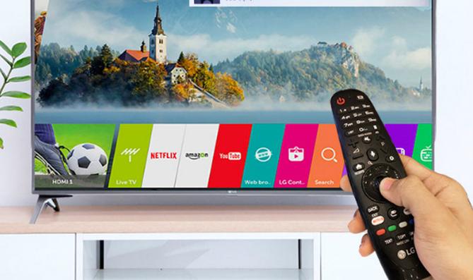 Smart TV bán tại Việt Nam đã có 'trợ lý' tiếng Việt