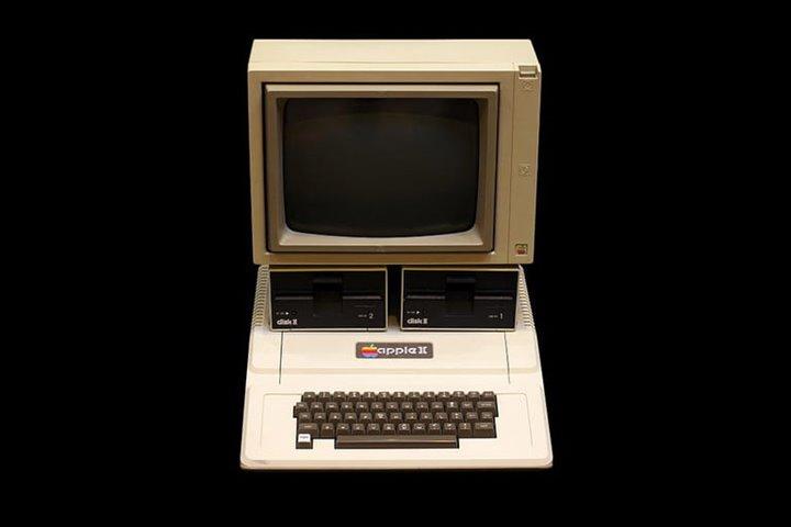 Chuyện lạ: Bảo tàng Nga vẫn đang dùng máy tính Apple tuổi đời 35 năm