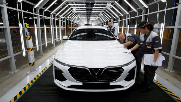 Vinfast đặt cược vào chiến lược cho thuê pin để đối đầu Tesla tại Mỹ