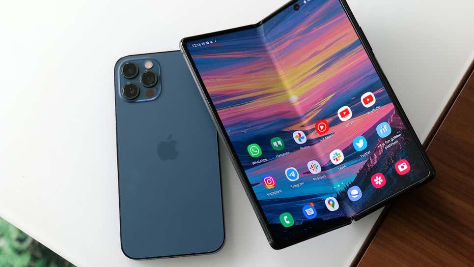 Chiếc iPhone gập của Apple sẽ chính thức xuất hiện vào năm 2023