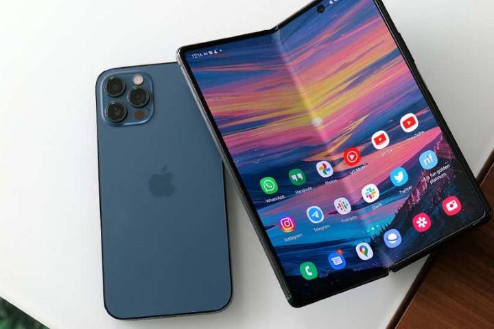 iPhone gập sẽ ra mắt năm 2023, màn hình 8 inch do Samsung cung cấp