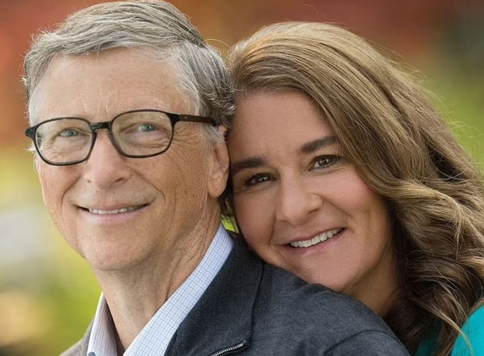 Rất quyết liệt, Bill Gates chuyển giao 2,4 tỉ đô cổ phiếu cho vợ ngay trong ngày công bố ly hôn