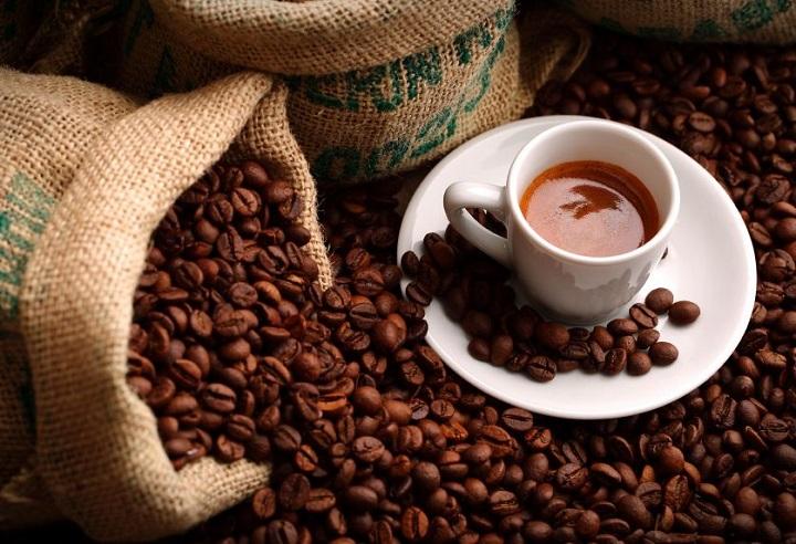 Uống cà phê có thể giảm nguy cơ ung thư tuyến tiền liệt ở nam giới