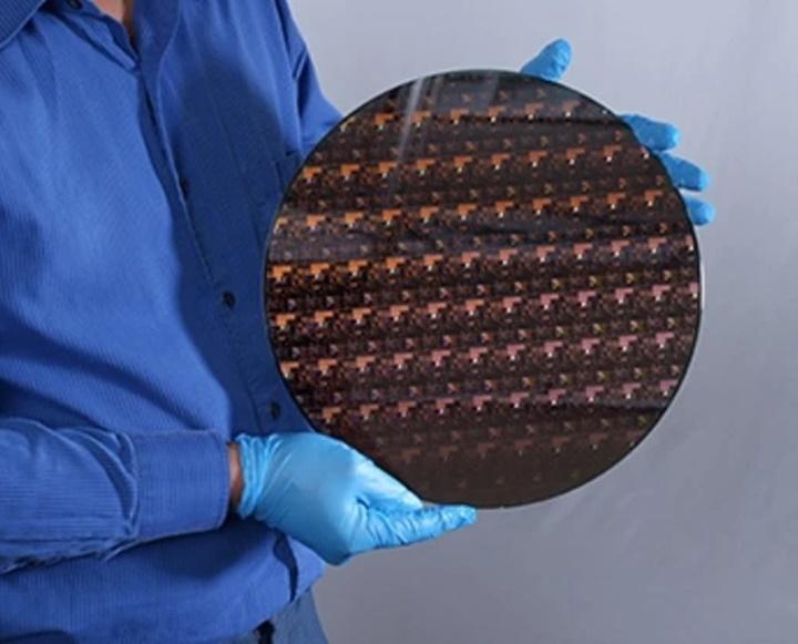 Chip 2nm đầu tiên trên thế giới do IBM sản xuất