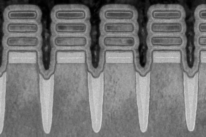 IBM ra mắt chip 2nm chứa 50 tỷ bóng bán dẫn, tuổi thọ pin tăng gấp 4 lần