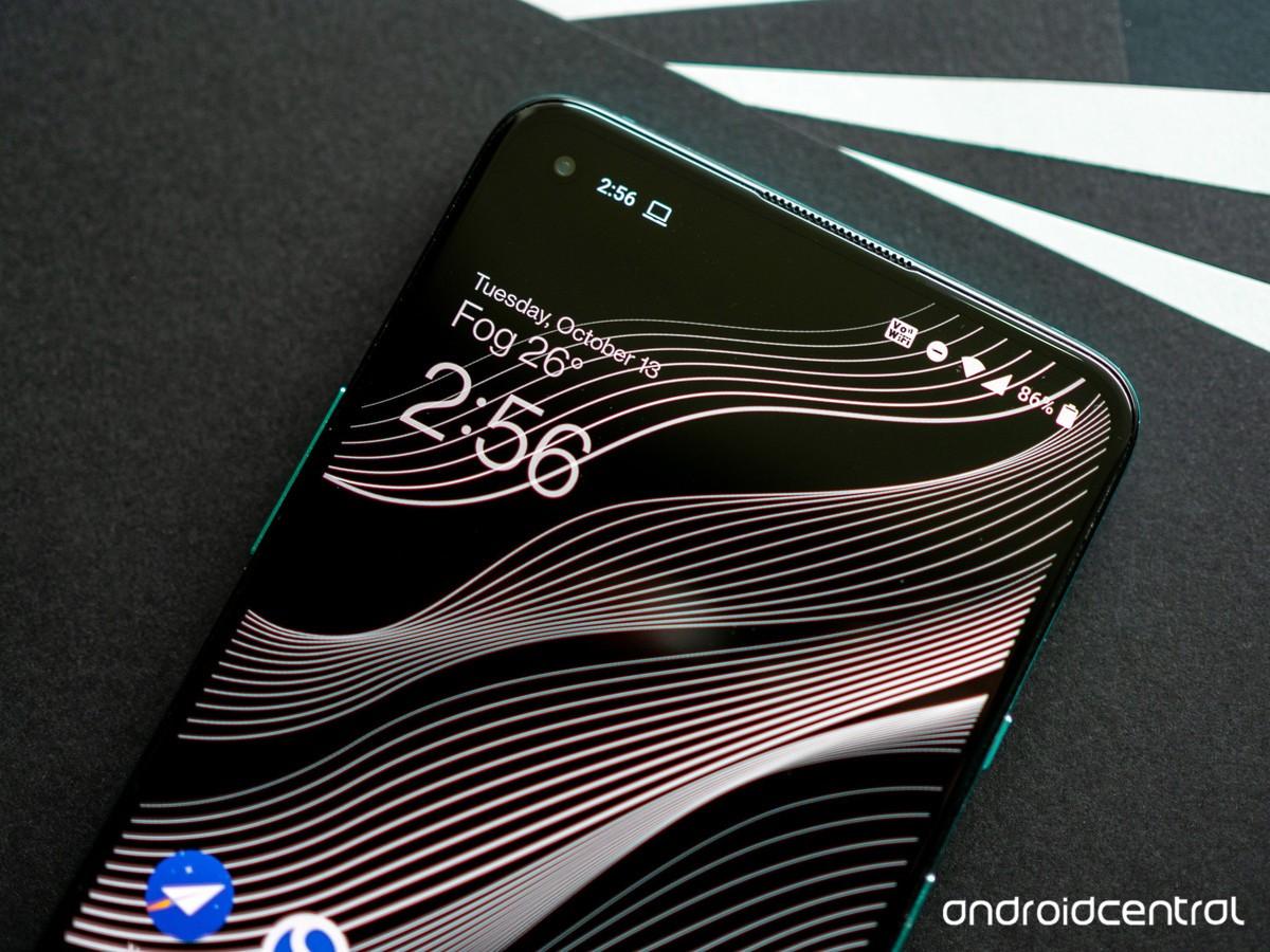 Thật tuyệt vời khi flagship Samsung chuộng màn hình phẳng trở lại