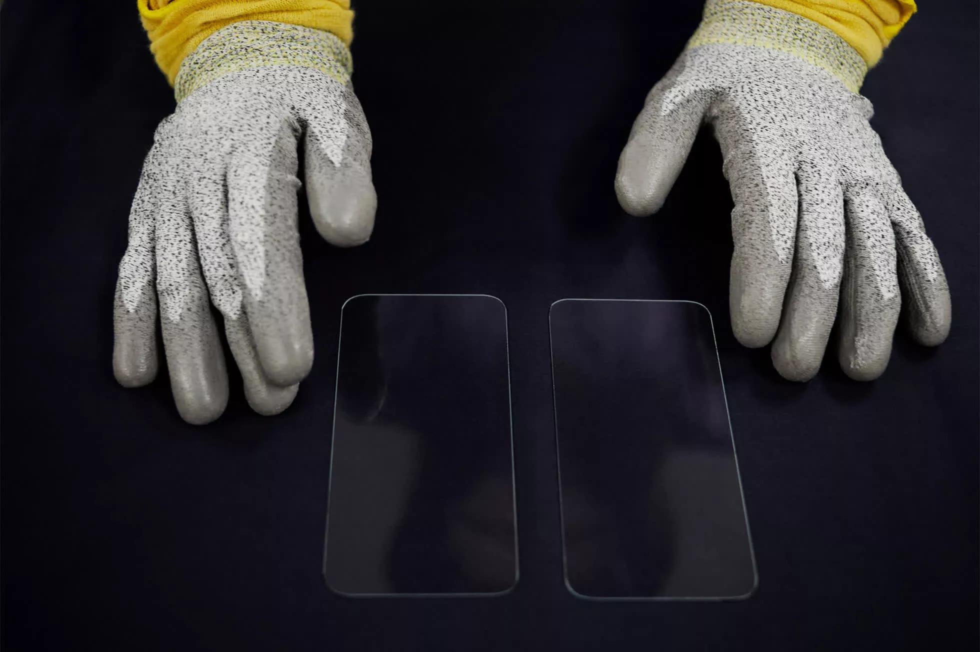 Apple đầu tư thêm 45 triệu USD vào Corning