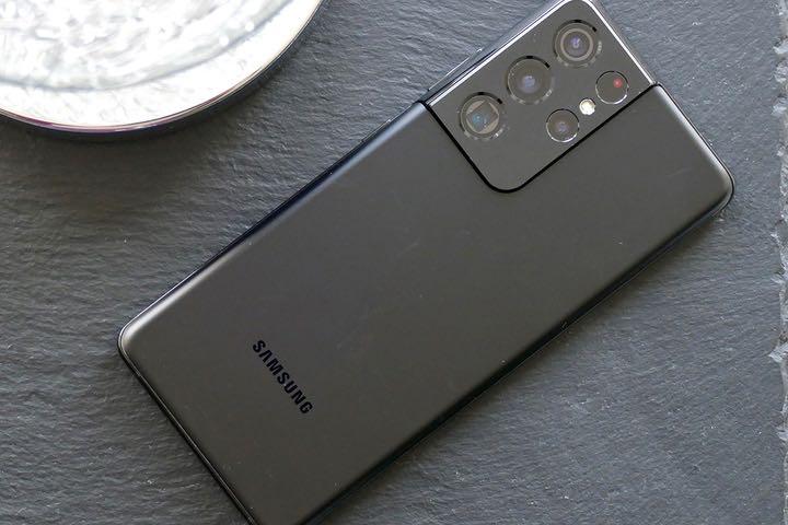 Trang review máy ảnh chọn ra những smartphone chụp ảnh tốt nhất năm 2021