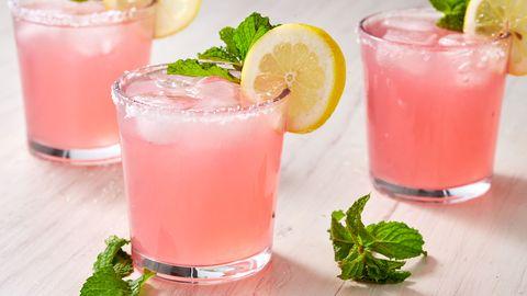 Nghiên cứu: Đồ uống có màu kích thích chạy nhanh hơn và xa hơn