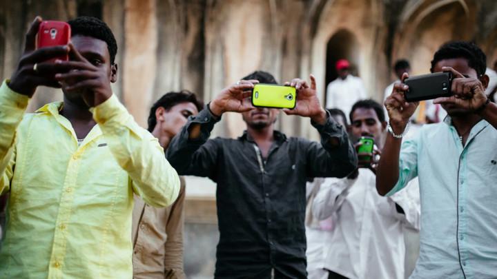 """Xiaomi, Oppo, Vivo, Realme vào tình thế """"tiến thoái lưỡng nan"""" ở Ấn Độ vì đại dịch"""