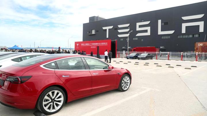 """Dính hàng loạt """"phốt"""", doanh số Tesla tại Trung Quốc giảm tới 27%"""