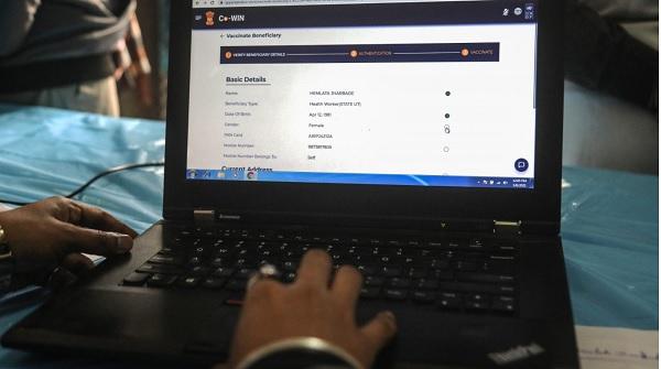 Để đăng ký tiêm vaccine COVID-19 ở Ấn Độ, bạn phải là một... hacker!