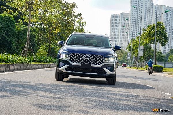 Cận cảnh Hyundai Santa Fe 2021, phiên bản máy xăng cao cấp 1,24 tỷ đồng