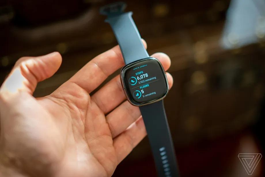 Dường như Google đã từ bỏ những nỗ lực của mình khi hợp tác với Samsung trong lĩnh vực smartwatch