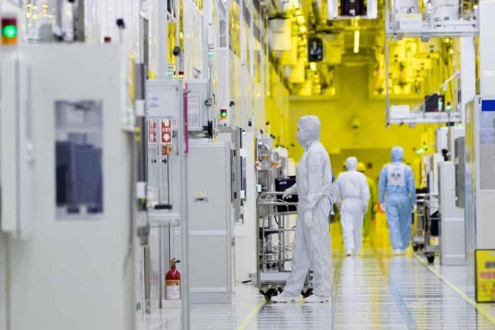Micron thách thức Samsung ở thị trường chip nhớ