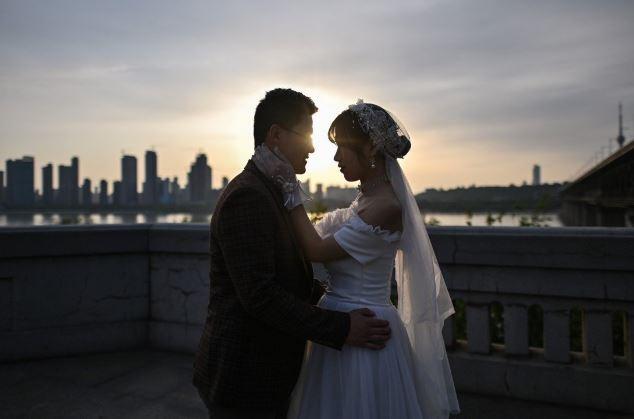 Hai người phụ nữ Trung Quốc lừa 19 người đàn ông kết hôn
