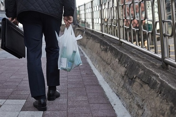 Là nền kinh tế lớn thứ 10 thế giới, người Hàn Quốc từ già đến trẻ vẫn không thấy hạnh phúc