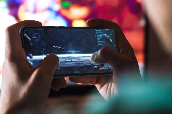 Liệu chơi game di động qua mạng 5G có thay thế được máy chơi game console?