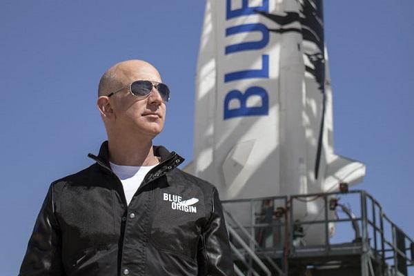 Có người trả 4 triệu USD để cùng tỷ phú Amazon bay vào vũ trụ