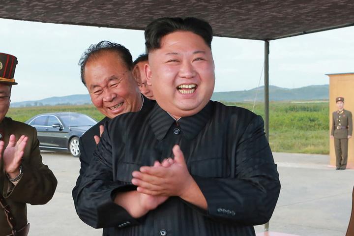 """Ông Kim Jong-un gọi âm nhạc K-Pop là """"căn bệnh ung thư suy đồi"""""""