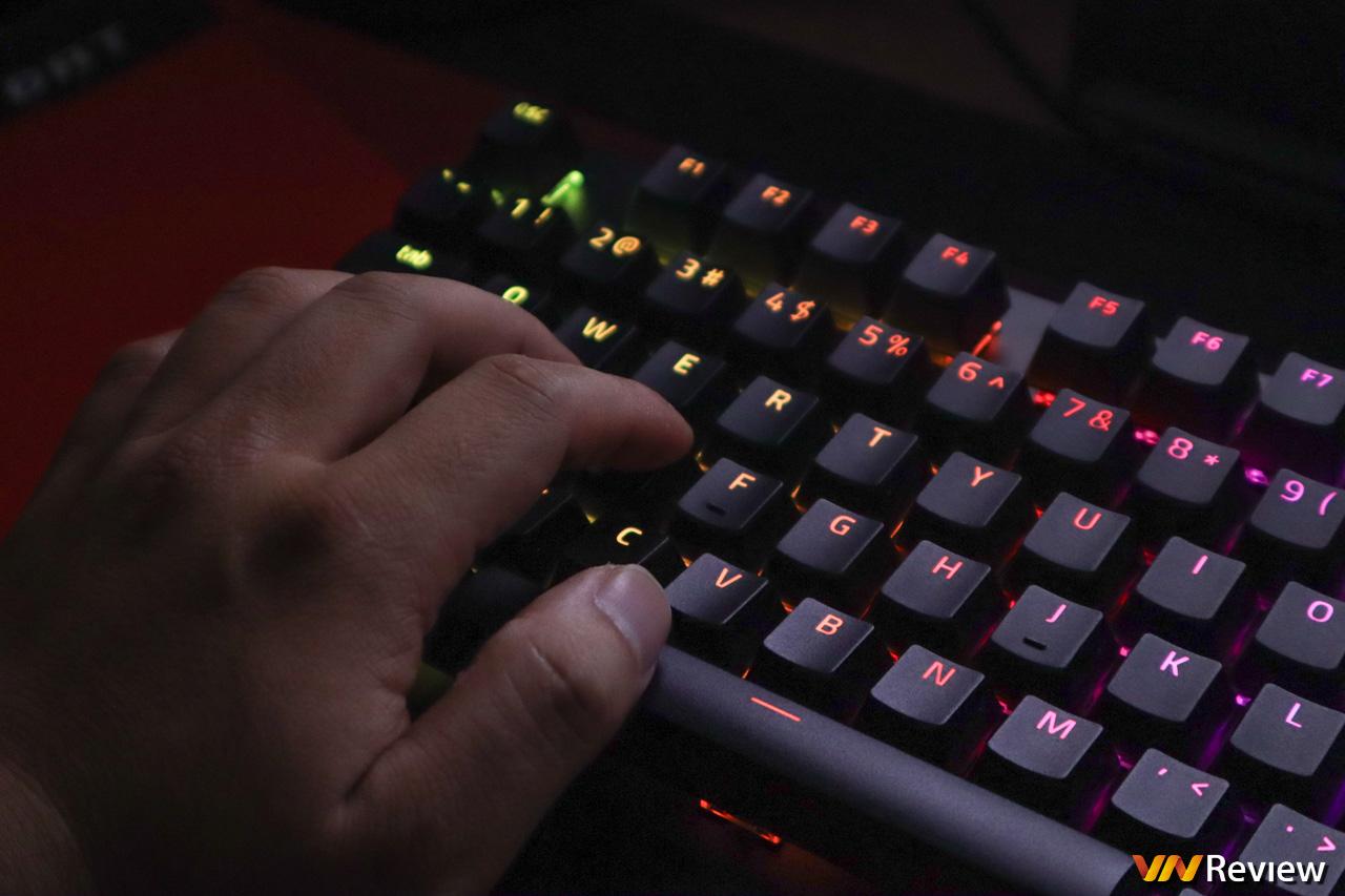 """Đánh giá bàn phím cơ gaming Razer BlackWidow V3: """"góa phụ đen"""" nền nã"""