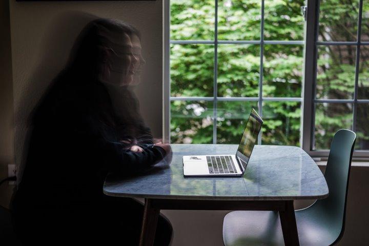 """""""Tôi thực sự, thực sự tin rằng, mình sẽ chết nếu không có Facebook"""""""
