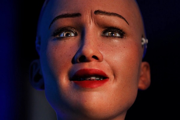 """Vì sao trí tuệ nhân tạo phải """"sợ"""" con người?"""