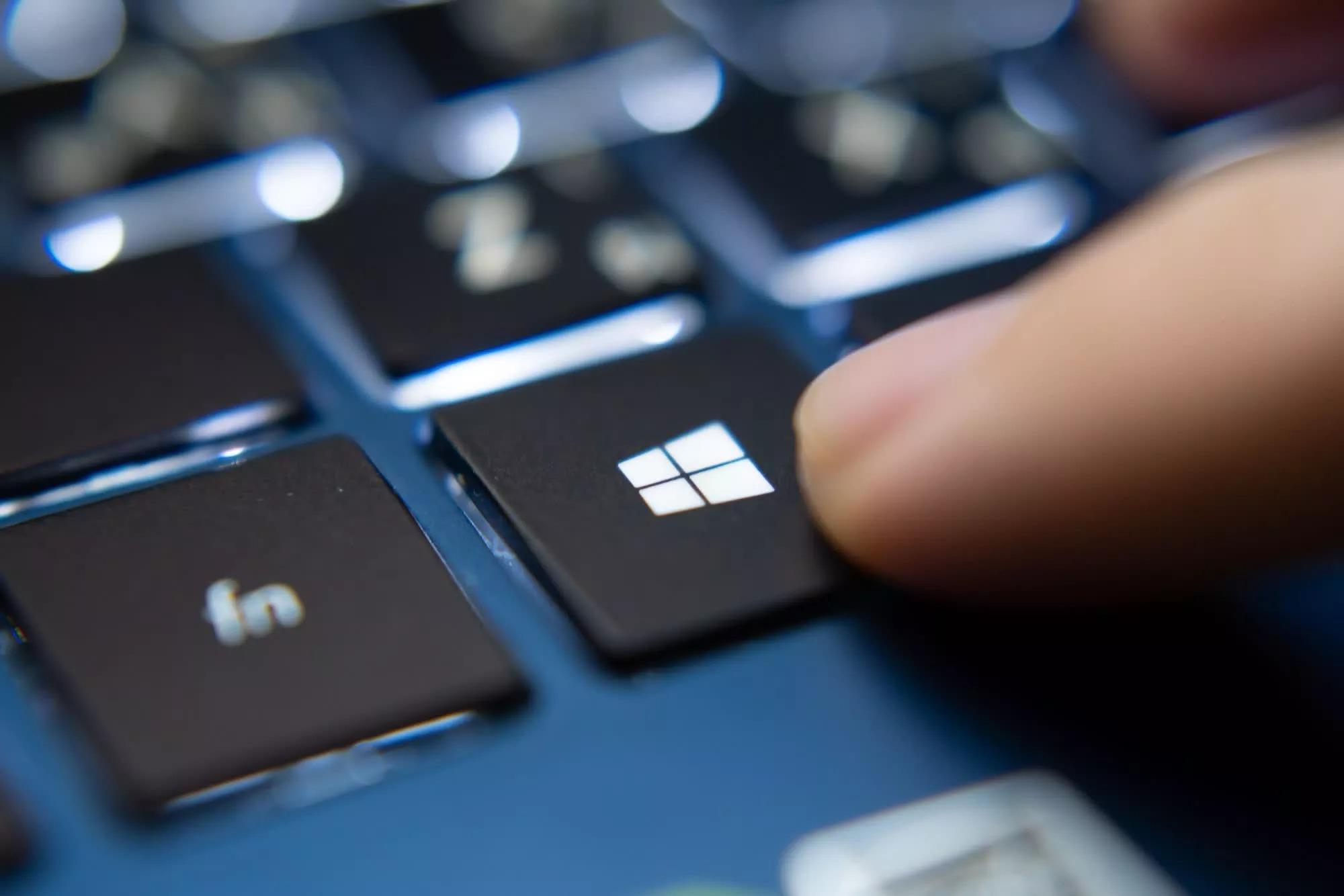 Microsoft hé lộ thời điểm khai tử Windows 10