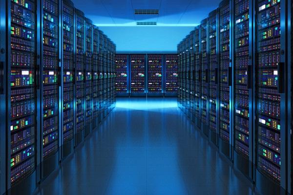 Dịch bùng phát, nhân viên Microsoft ngủ lại trong các trung tâm dữ liệu