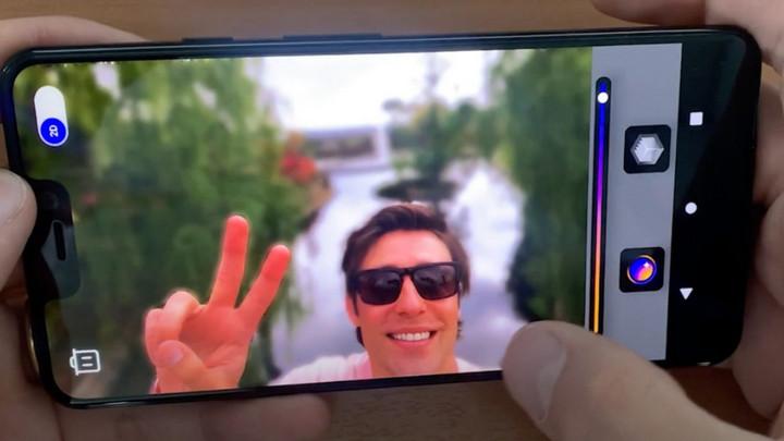 Camera selfie trong tương lai sẽ cho phép bạn lấy nét khuôn mặt sau khi chụp