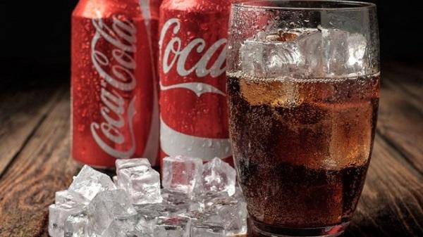 Vì sao Cristiano Ronaldo không thích nước ngọt Coca-Cola?
