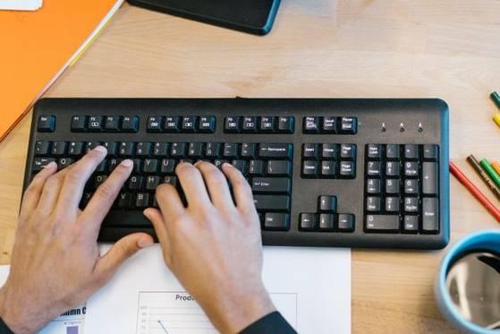 Những cách sửa lỗi bàn phím gõ sai ký tự trong Windows 10